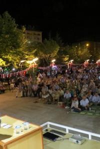 İLÇE MÜFTÜSÜ DEMOKRASİ MEYDANINDA KONFERANS VERDİ