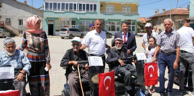 Engellilere 17 Araç Törenle Teslim Edildi