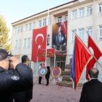 Atatürk'ü saygı  ile  andık