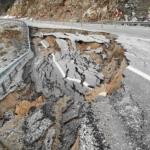 Heyelan nedeniyle Bozkır -Antalya yolu çöktü