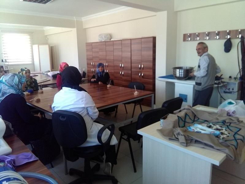 Milli Eğitim Bakanlığı Hayat boyu öğrenme  genel  müdürlüğünün Ustalar kursiyerlerle buluşuyor  etkinliği  Yalıhüyük'te  hayata  geçirildi.